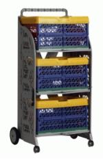 carrinho com caixas dobraveis com as caixas coloridas montadas